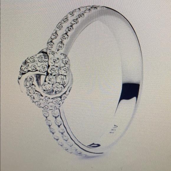 Pandora Shimmering Knot Ring